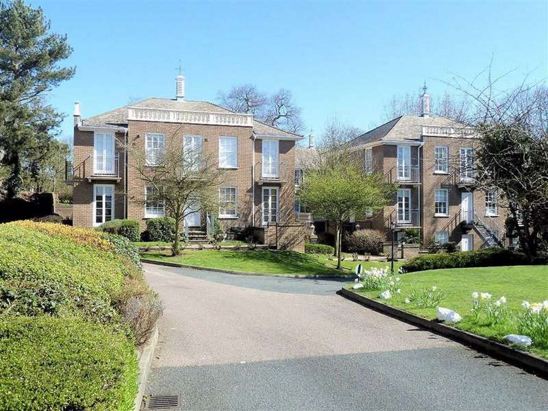 2 Bedrooms Flat for rent in Theydon Bower, Bower Hill, Epping