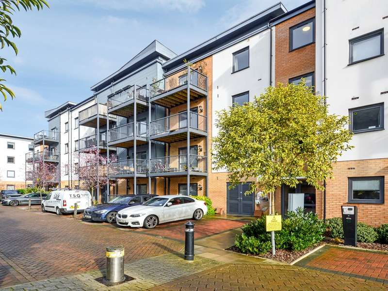 1 Bedroom Flat for sale in Shingly Place, Chingford E4