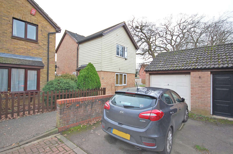 4 Bedrooms Detached House for sale in Buttermere, White Court, Braintree, CM77