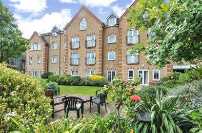 1 Bedroom Retirement Property for sale in Precista Court, 48 High Street, Orpington, Kent