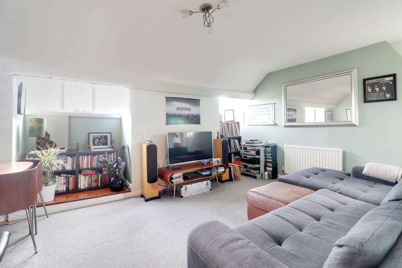 1 Bedroom Flat for sale in Crescent Road, Alexandra Park, N22