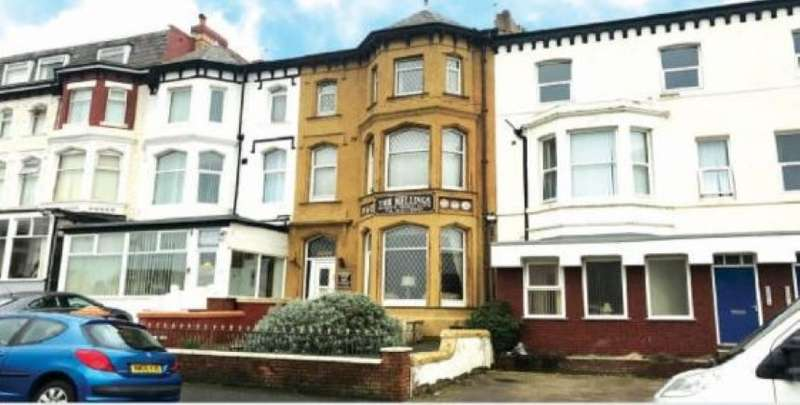 7 Bedrooms Terraced House for sale in 18 Derby Road, Blackpool, Lancashire