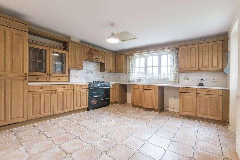 4 Bedrooms Property for sale in Morgraig Avenue, Newport