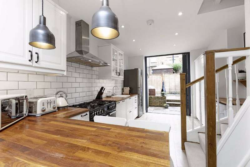 2 Bedrooms House for sale in Cowick Road, Tooting