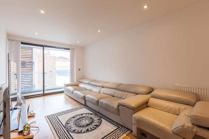 1 Bedroom Flat for sale in Riemann Court, Bow Common Road, Bow, E3