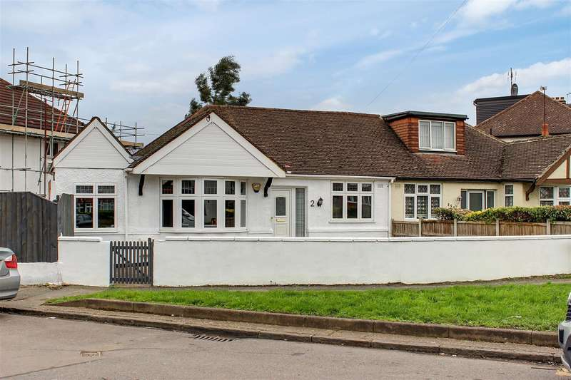2 Bedrooms Semi Detached Bungalow for sale in Lower Hall Lane, London