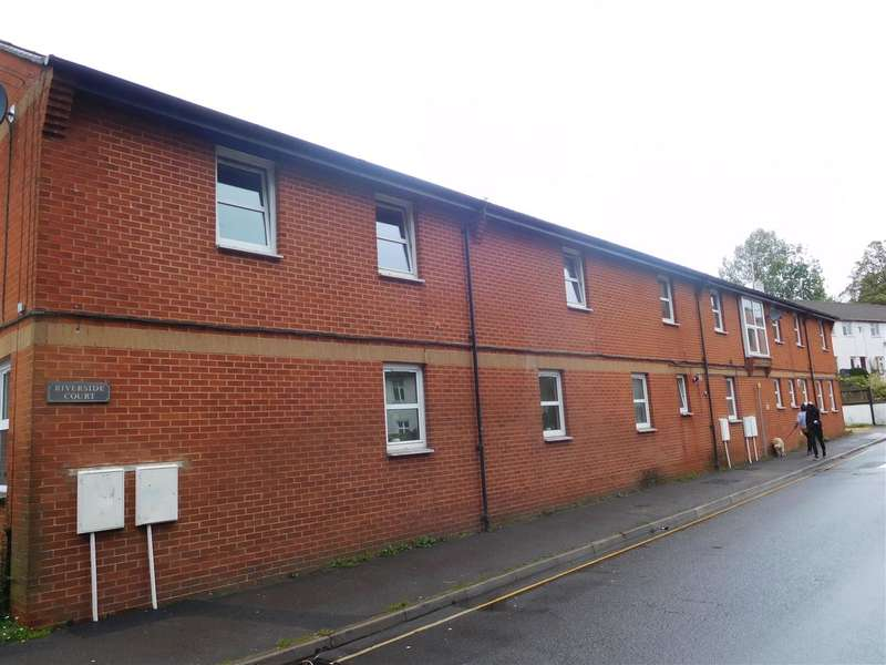 2 Bedrooms Apartment Flat for sale in Riverside Court, Chapel Street, Tiverton