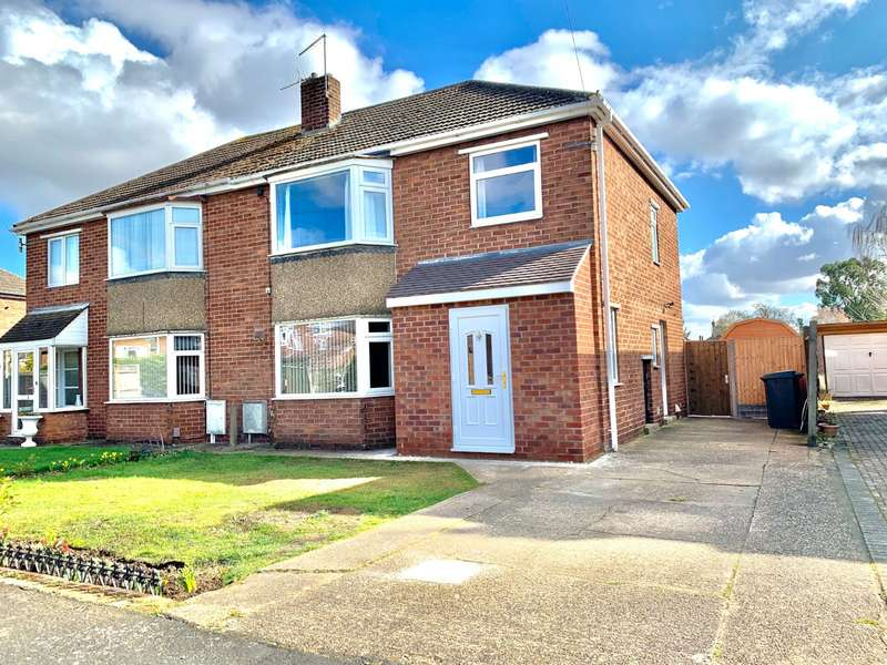 3 Bedrooms Semi Detached House for sale in Filey Close, North Hykeham, Lincoln, Lincolnshire, LN6