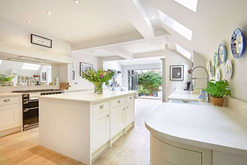 4 Bedrooms Terraced House for sale in Dymock Street, Fulham, London, SW6