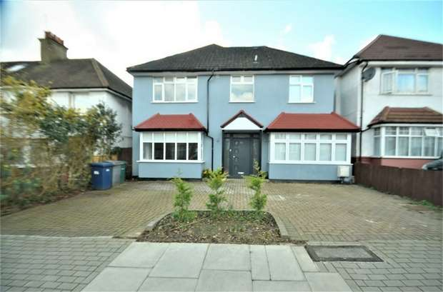 5 Bedrooms Detached House for sale in Millway, Mill Hill, NW7