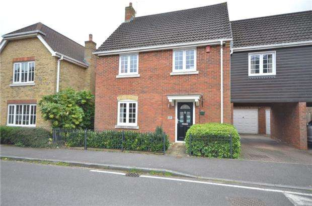 4 Bedrooms Link Detached House for sale in Turgis Road, Elvetham Heath, Hampshire