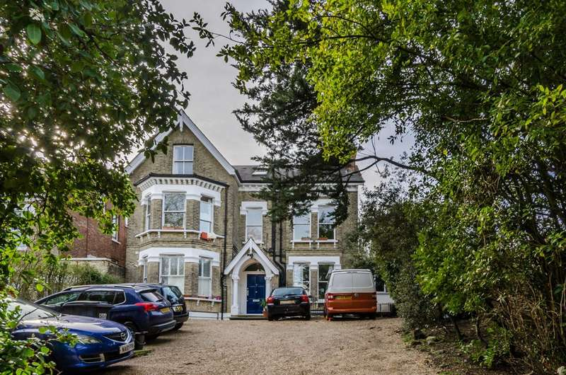 2 Bedrooms Flat for sale in Palace Road, Tulse Hill, SW2
