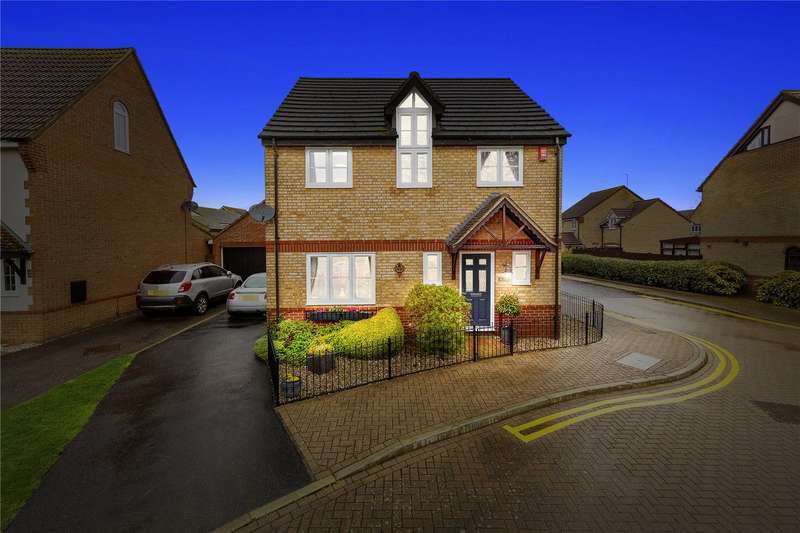 4 Bedrooms Detached House for sale in Juniper Drive, Brandon Groves, South Ockendon, Essex, RM15
