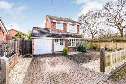 3 Bedrooms Detached House for sale in Totton, Southampton, Hampshire