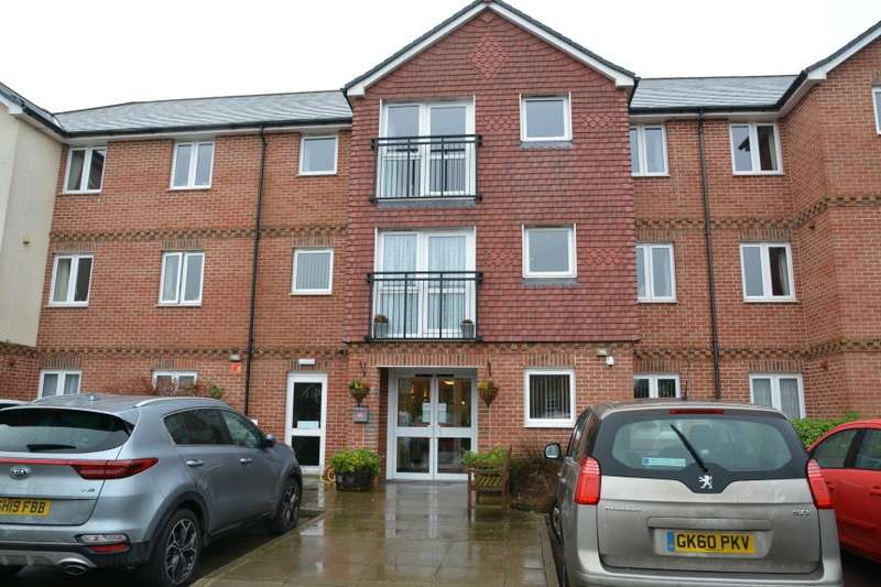 1 Bedroom Retirement Property for sale in Flat 48 Laurel Court, 24 Stanley Road, Folkestone, Kent