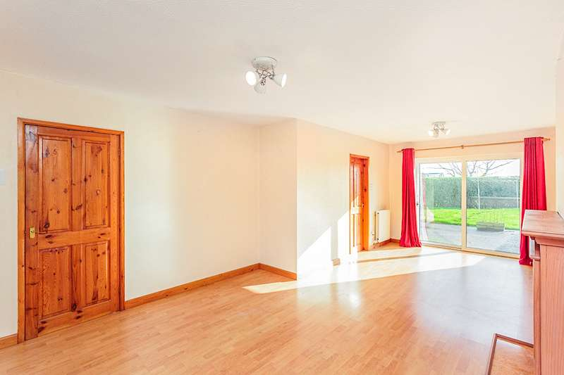 3 Bedrooms End Of Terrace House for sale in Medlar Lane, Kirkham, Preston, Lancashire, PR4