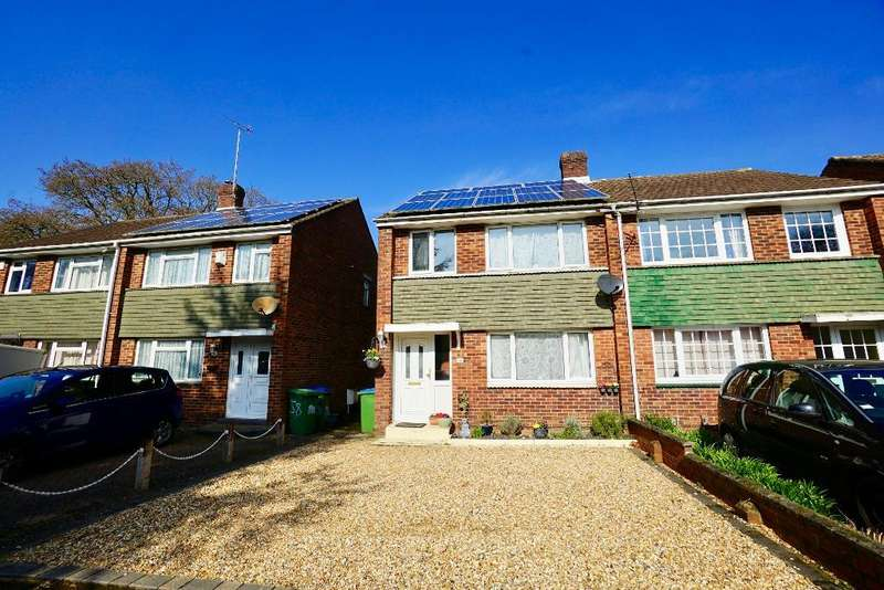 3 Bedrooms Semi Detached House for sale in Tenterton Avenue, Southampton, SO19 9HT