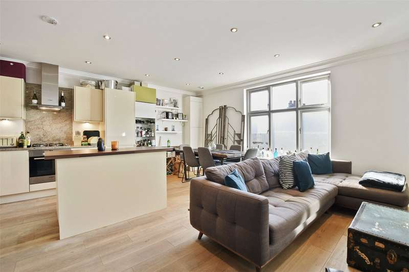 2 Bedrooms Flat for sale in Brecknock Road, Kentish Town, London, N7