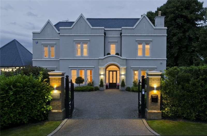 5 Bedrooms Detached House for sale in Kingswood Warren Park, Woodland Way, Kingswood, Surrey, KT20