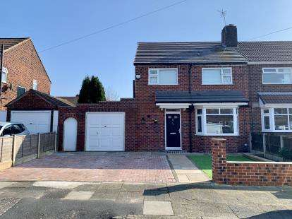 3 Bedrooms Semi Detached House for sale in Sandacre Road, Manchester, Greater Manchester