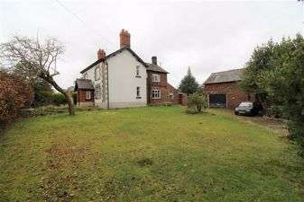 3 Bedrooms Detached House for sale in Main Road, Goostrey, Cheshire