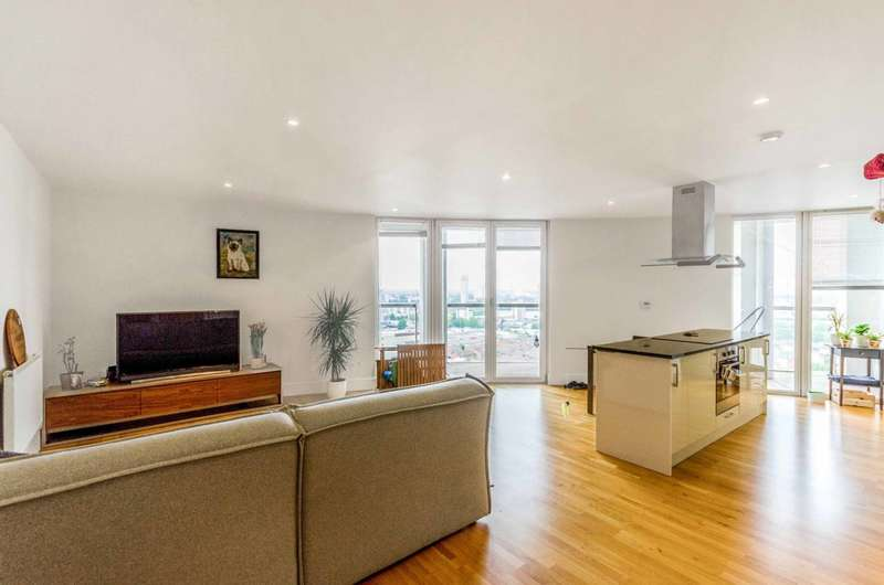 2 Bedrooms Flat for sale in Trinity Tower, Canary Wharf, E14