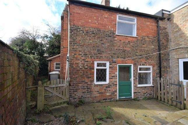 2 Bedrooms Property for sale in James Street, Louth, Lincolnshire, LN11 0JW