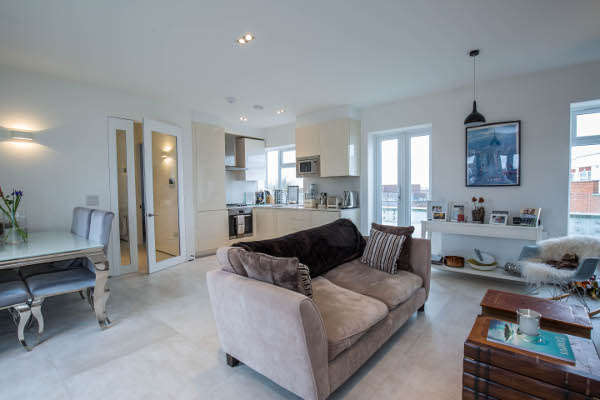 1 Bedroom Flat for sale in Grosvenor Court, Mill Hill, NW7