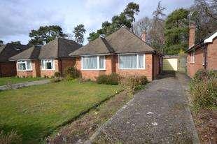 3 Bedrooms Bungalow for sale in Derwent Drive, Tunbridge Wells, Kent