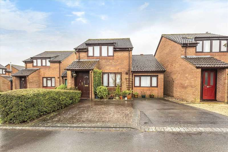 3 Bedrooms Detached House for sale in Danehurst Place, Andover
