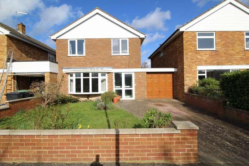 4 Bedrooms Detached House for sale in Dart Road, Bedford, Bedfordshire, MK41