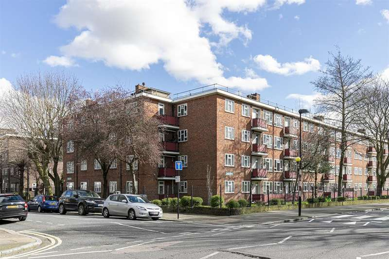 3 Bedrooms Ground Maisonette Flat for sale in Albion Road, London, N16
