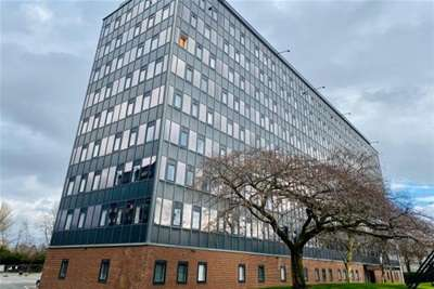2 Bedrooms Flat for rent in Park Rise, Old Trafford, M16