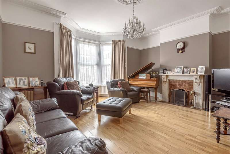 4 Bedrooms House for sale in The Avenue, London, N8