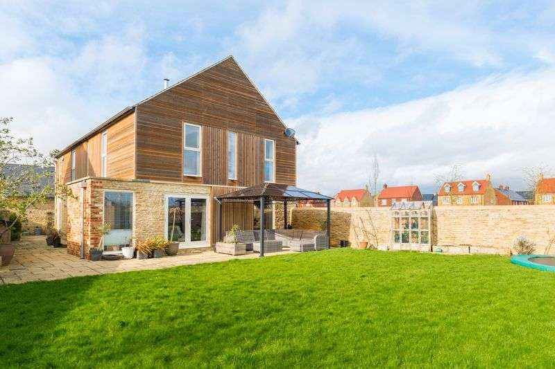 5 Bedrooms Property for sale in Whitelands Farm, Bicester