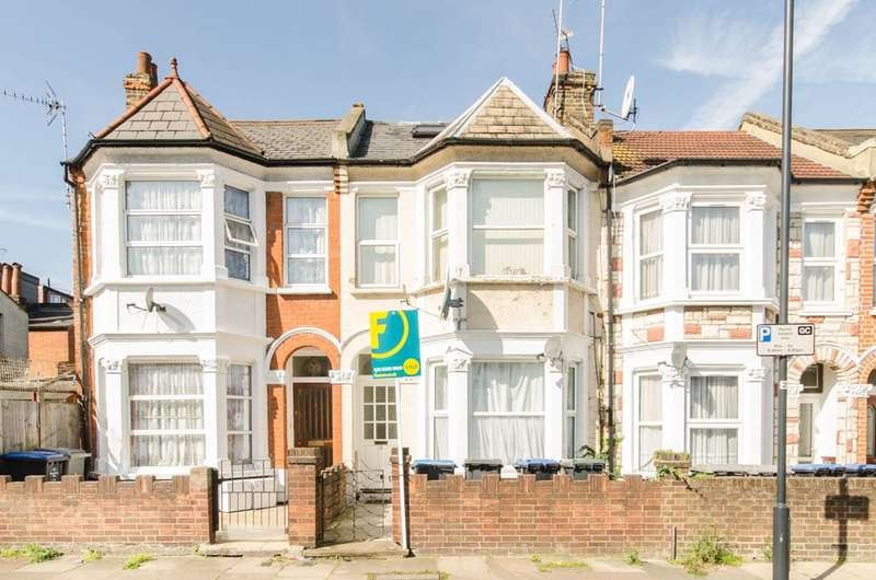 2 Bedrooms Flat for sale in Buxton Road, Willesden Green, NW2