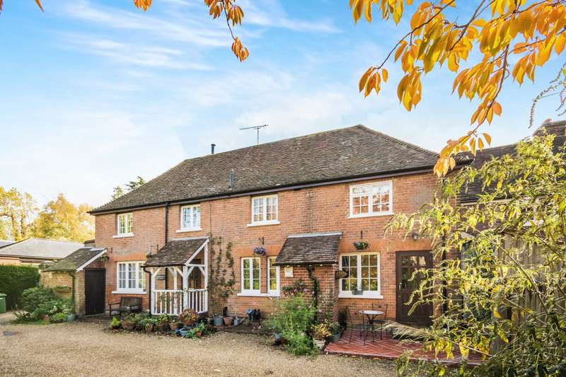 2 Bedrooms Cottage House for sale in Holden House Cottages, Southborough, Tunbridge Wells