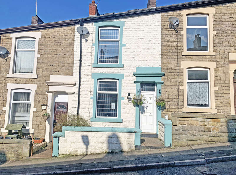 2 Bedrooms Terraced House for sale in Cavendish Street, Darwen