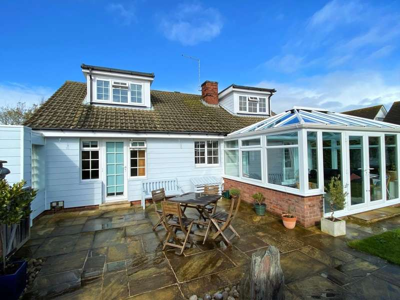 5 Bedrooms Detached Bungalow for sale in Nettlestone, Seaview