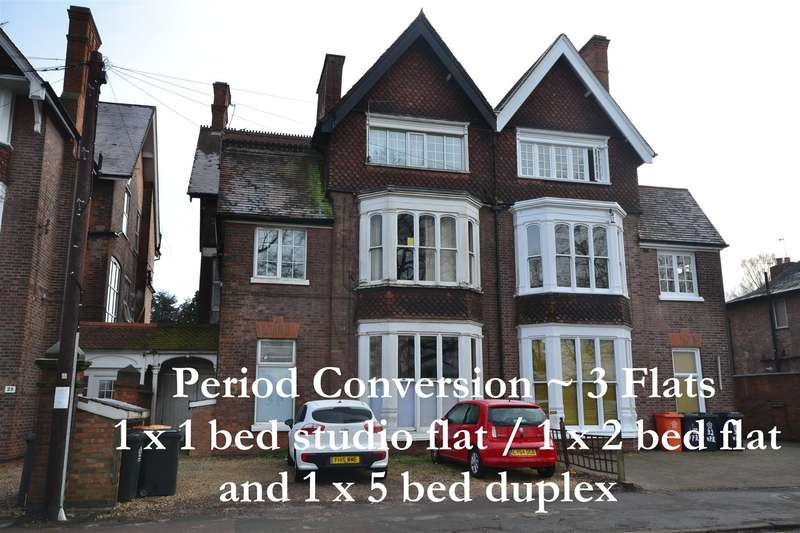 7 Bedrooms Semi Detached House