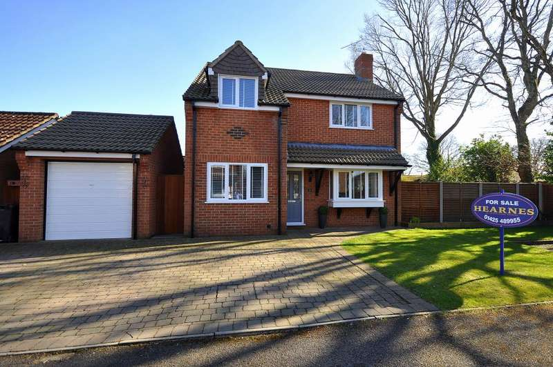 4 Bedrooms Detached House for sale in Alderholt, Fordingbridge, SP6 3PT