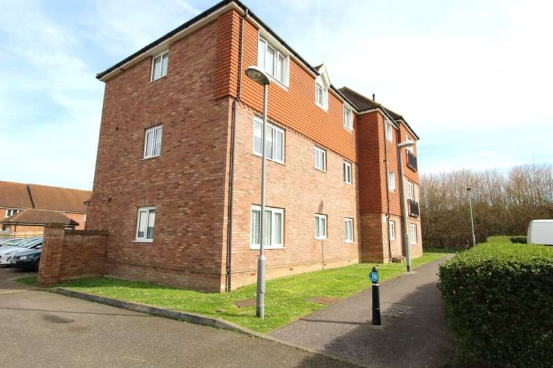 2 Bedrooms Flat for sale in Limehouse Court, Sittingbourne, ME10