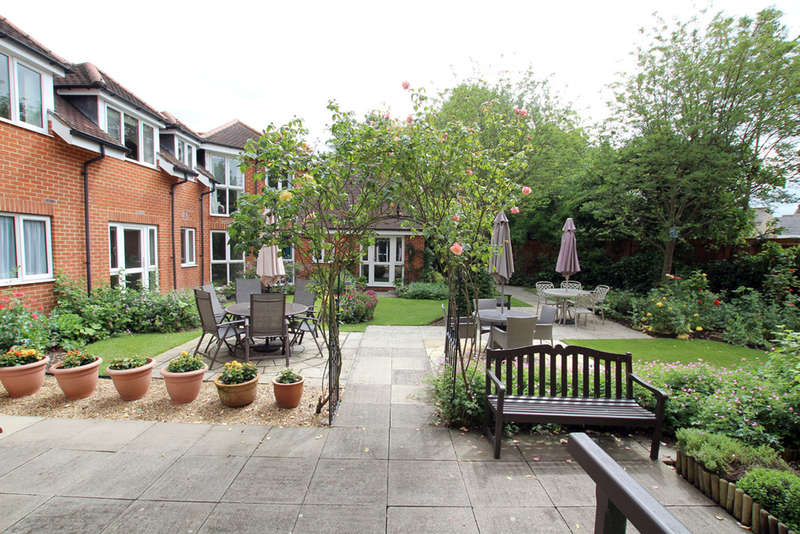 1 Bedroom Flat for sale in Collingwood Court