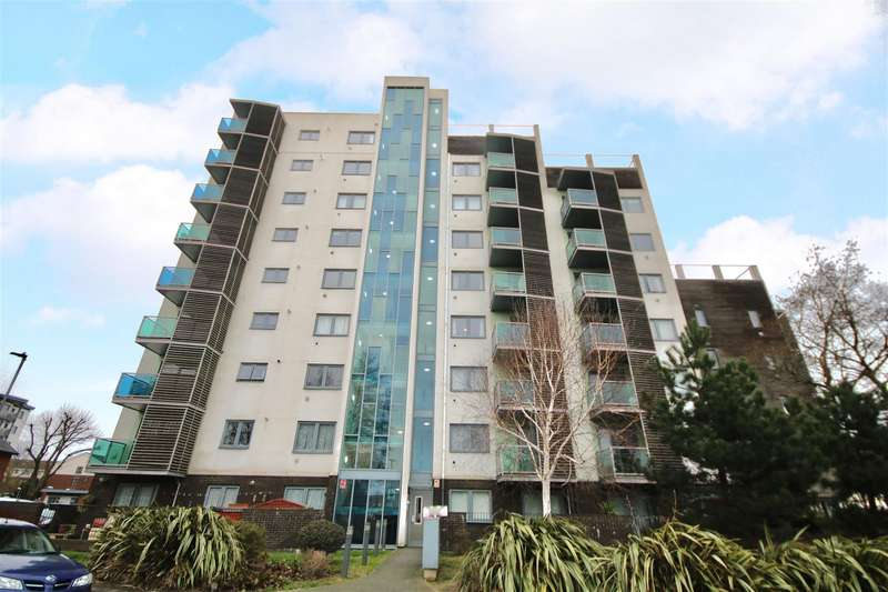 1 Bedroom Flat for sale in Victoria Road North, Southsea