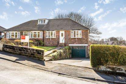 2 Bedrooms Bungalow for sale in Orchard Road, Huddersfield, West Yorkshire