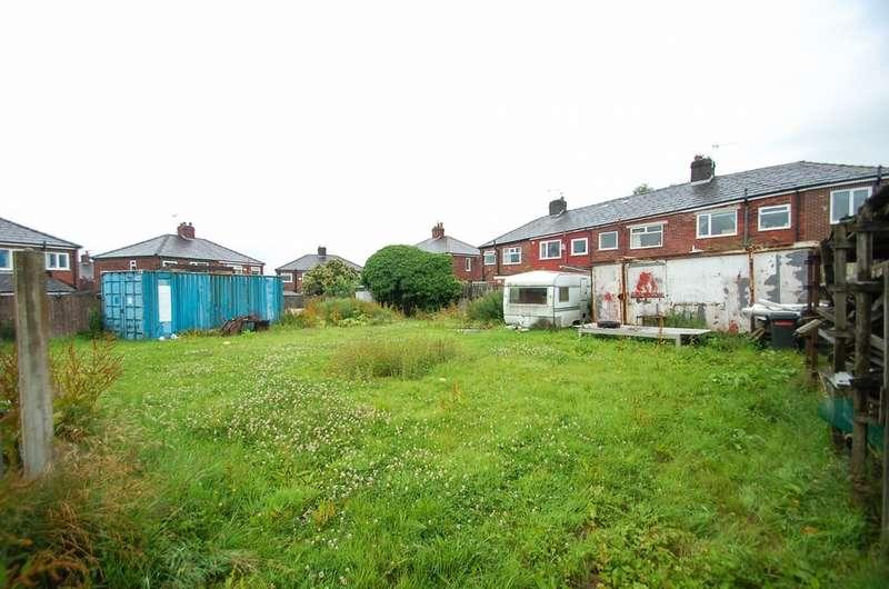 2 Bedrooms Detached Bungalow for sale in St James Close, Off St James Street, Mill Hill, Blackburn