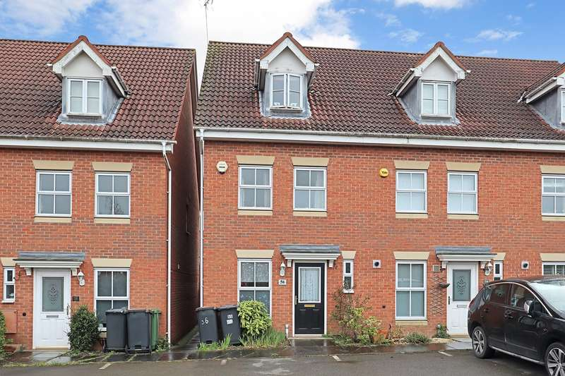 3 Bedrooms Town House for sale in Lilleburne Drive, The Shires, Nuneaton, CV10