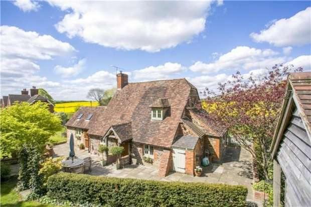 2 Bedrooms Detached House for sale in Ivy Cottage, Watery Lane, Heaverham, KEMSING, Kent