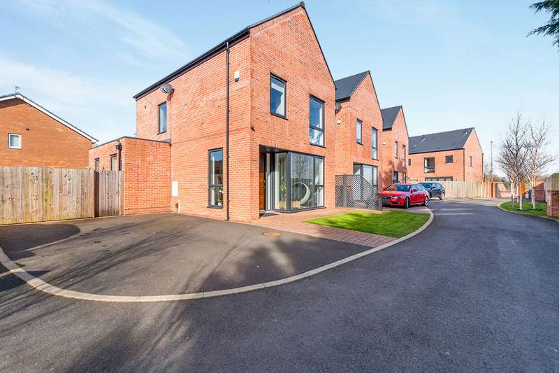 4 Bedrooms Detached House for sale in Stepping Stone Mews, Widnes, Cheshire, WA8