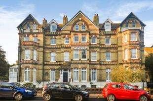 2 Bedrooms Maisonette Flat for sale in Westbourne Mansions, 148-150 Sandgate Road, Folkestone, Kent